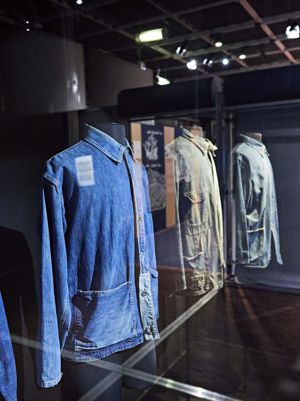 "Exposition ""Jean"""