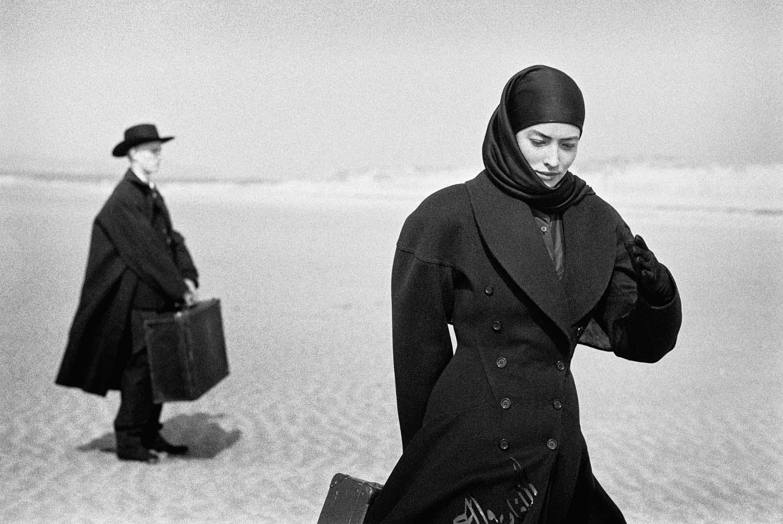 Photo de Peter Lindbergh pour Azzedine Alaïa sur la plage du Touquet